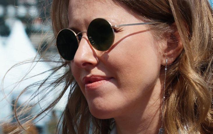 Собчак дала ответ комментаторам, назвавшим ее «приемной дочкой»