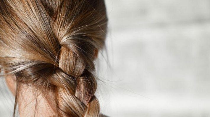 10 способов борьбы с сухостью волос