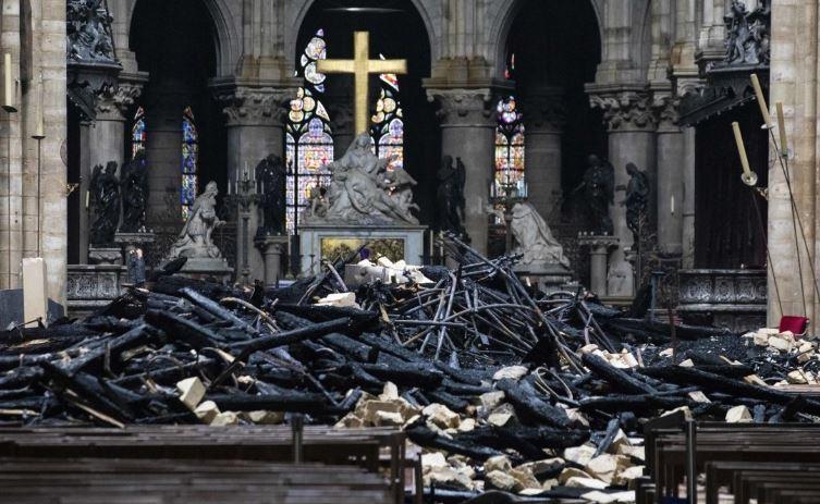 Главный реставратор Нотр-Дама рассказал об угрозе обрушения собора