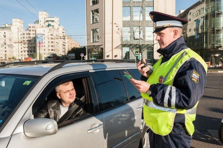 5 ошибок, которые допускают водители в разговоре с сотрудником ДПС