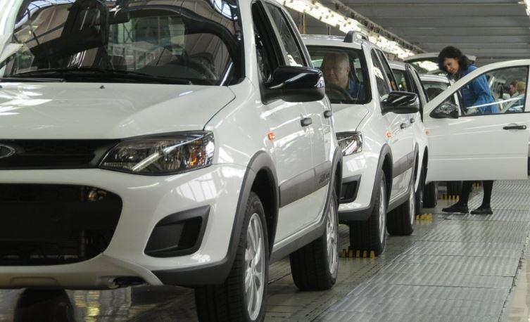 Студенты из РФ на базе Lada разработали беспилотный катафалк