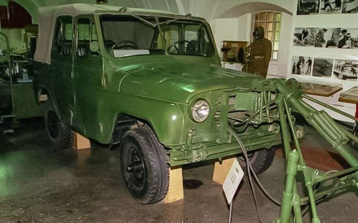 УАЗ напомнил о своем уникальном саперном автомобиле с 2 рулями