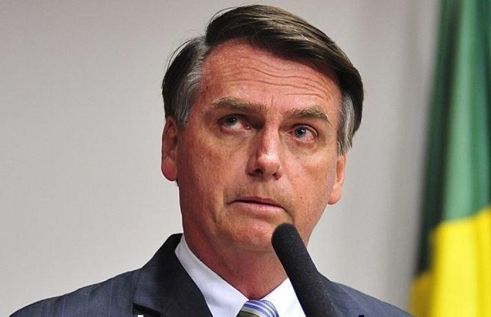 Президент Бразилии ожидает от Макрона извинений