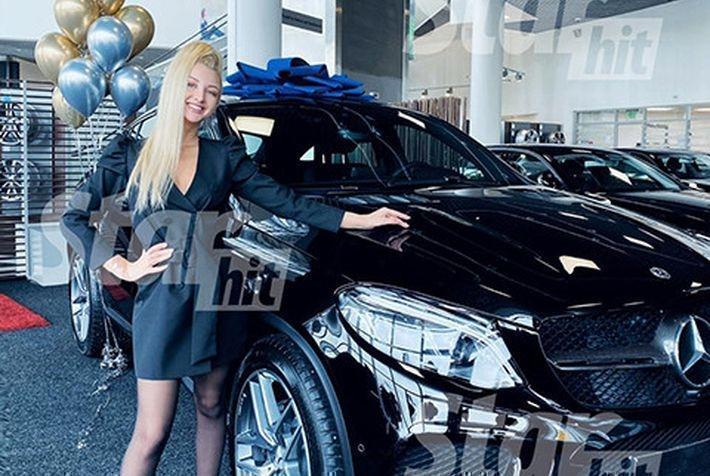 Марго Овсянникова получила в подарок автомобиль за 8 миллионов