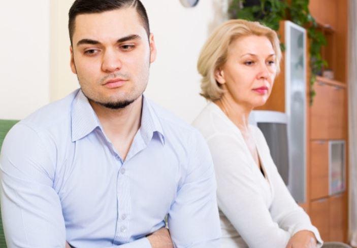 Хотела помочь сестре, а она пыталась соблазнить моего мужа