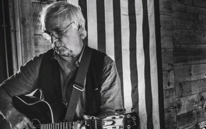 Американский певец Дэвид Олни скончался на сцене во время выступления 1