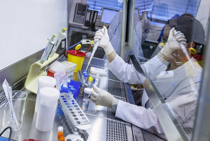 За сутки коронавирусом заразились почти 2 тысячи человек 1