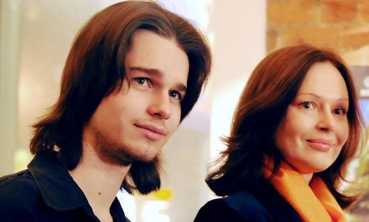 Бывшая супруга Безрукова замуровала дверь в квартиру покойного сына 1