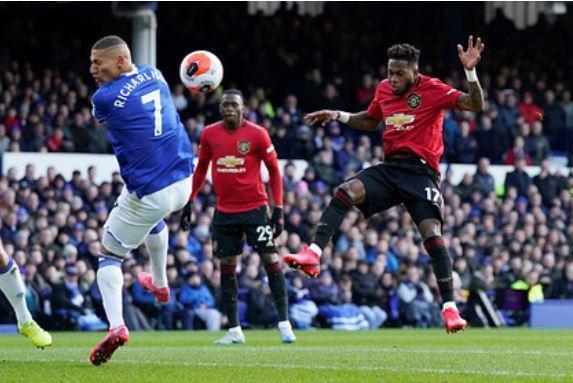 «Манчестер Юнайтед» сыграл вничью с «Эвертоном» в матче АПЛ 1