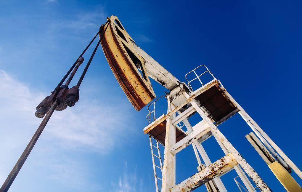 Цена нефти Brent упала ниже $25 за баррель thumbnail