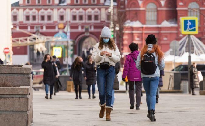 Представитель ВОЗ напомнила о дистанции на прогулках во время коронавируса thumbnail