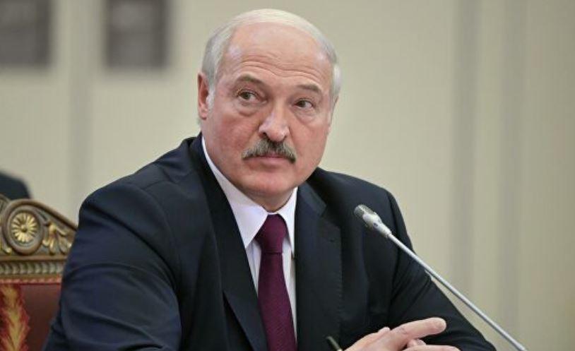 «Бедолага»: Лукашенко заявил опервой жертве коронавируса thumbnail