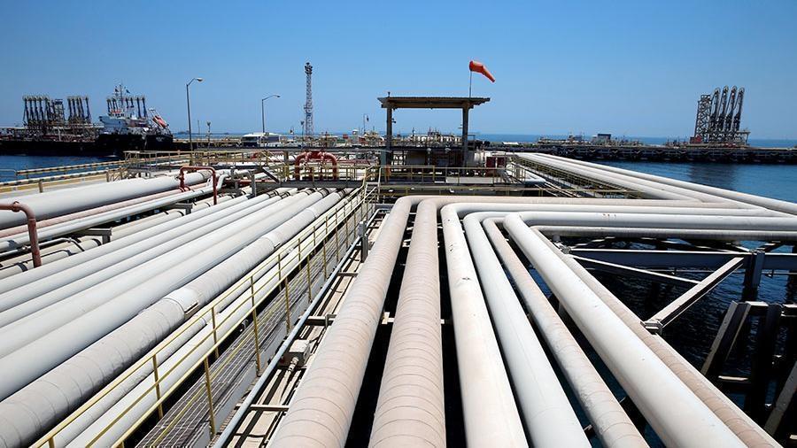 СМИ сообщили  о планах Саудовской Аравии сократить добычу нефти thumbnail