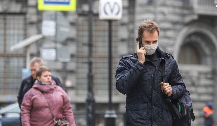 Врач разъяснила, какие опасности несет неправильное ношение медицинской маски 1
