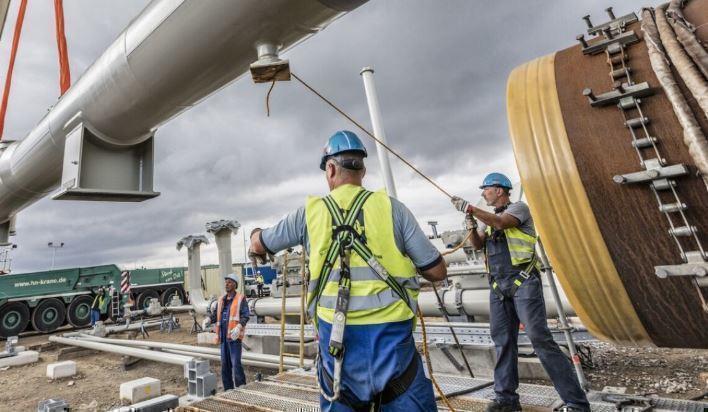 Кремль рассказал о планах достроить трубопровод «Северный поток — 2» thumbnail