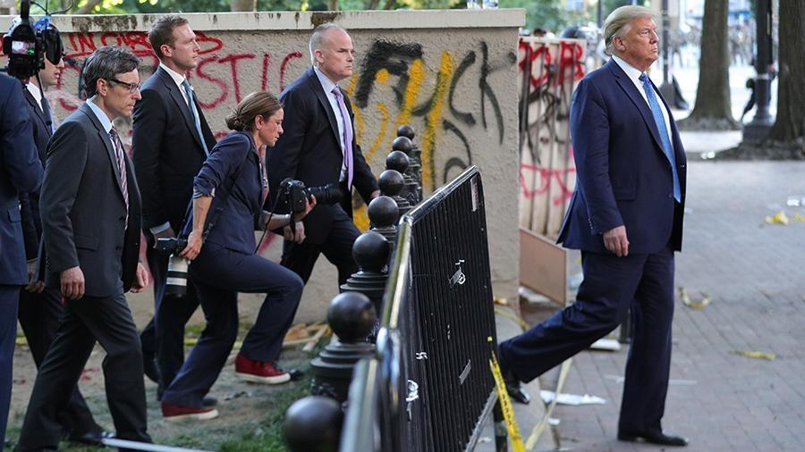 Трамп похвалил себя за подавление протестов в Вашингтоне thumbnail