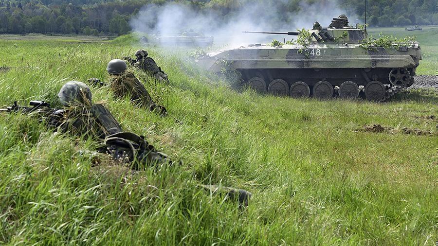 МИД РФ заявил о необходимости военных контактов с НАТО thumbnail