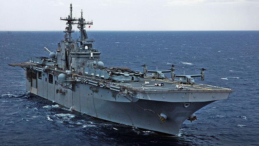 Десантный корабль-док ВМС США вошел в Черное море 1