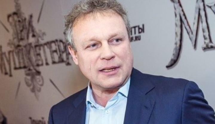 Актер Жигунов приехал в Крым с «копией» Заворотнюк 1