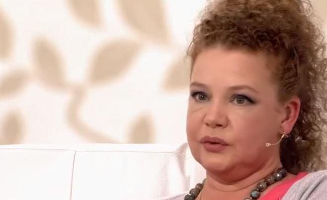 Абрамова призналась, что муж оставил ее с онкобольным ребенком на руках 1