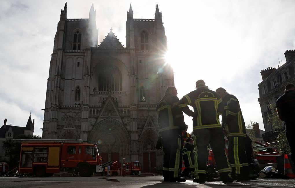 В Нанте произошел пожар в соборе Святых Петра и Павла 1