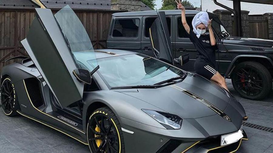 Настя Ивлеева купила Lamborghini за 20 млн рублей 1