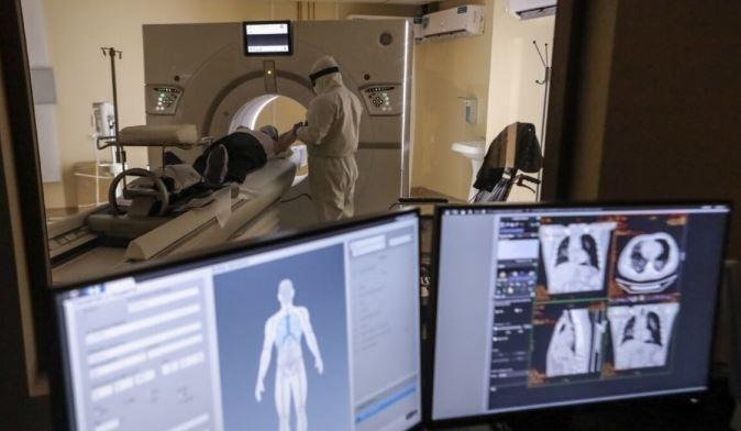 Рентгенолог объяснил опасность КТ-исследований при диагностике коронавируса 1