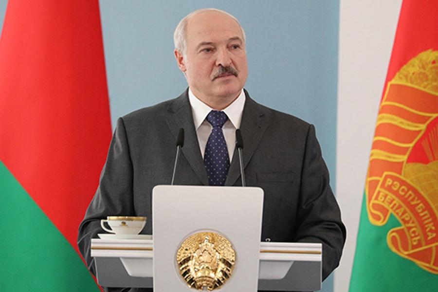 Лукашенко заявил о готовности изменить конституцию Белоруссии 1