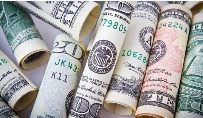 Международные экономисты предрекли неминуемое падение доллара 1