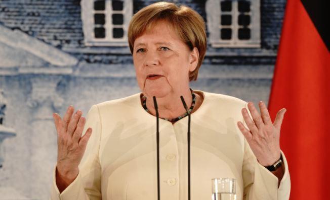 В Германии признали, что Меркель уступает Путину как политик 1