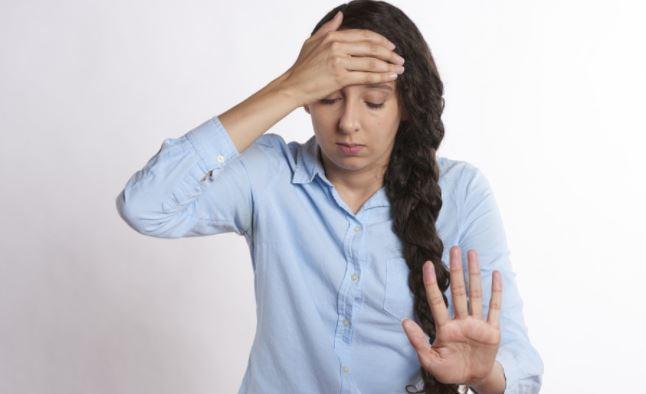 Диетолог объяснил, как избавиться от привычки заедать стресс 1