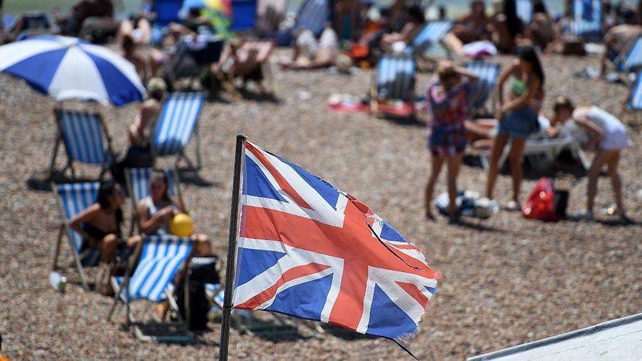 Британия вновь вводит запрет на сбор групп более 6 человек 1