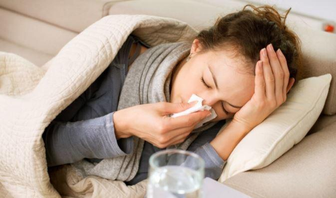Одновременное заболевание гриппом и COVID-19 может привести к осложнениям 1