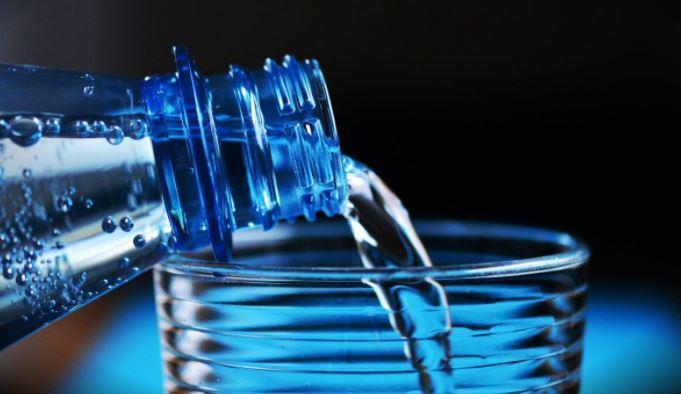 Врач-диетолог назвала «волшебный» объем воды для защиты от инфаркта 1
