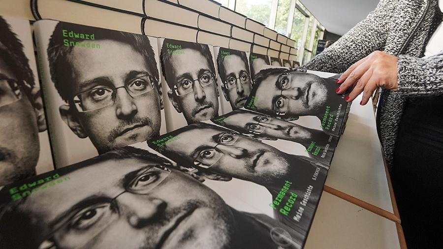 Сноуден согласился выплатить США 5 млн долларов c продажи своей книги и выступлений 1