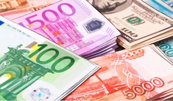 Назван эффективный способ сэкономить на покупке валюты 1