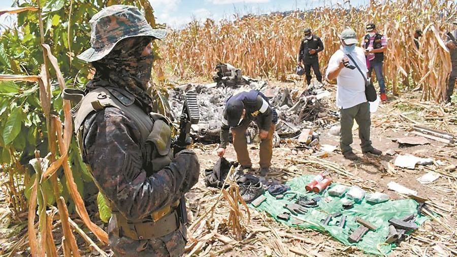 Угнанный в Мексике самолет разбился в Гватемале с грузом наркотиков и оружия 1