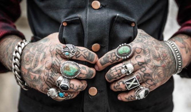 Ученые назвали опасность татуировок 1