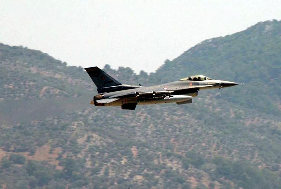 Турецкий истребитель сбил Су-25 ВВС Армении 1