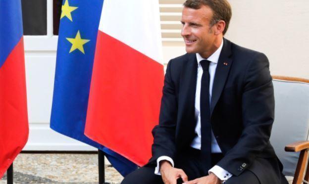 Макрон заявил, что Европа должна сама строить отношения с Россией 1