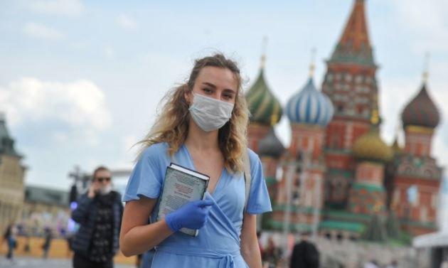 Россиянам напомнили правила ношения медицинской маски 1