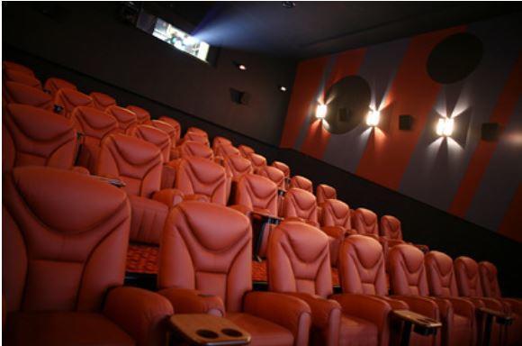 Одна из крупнейших киносетей мира закроет сотни своих залов 1