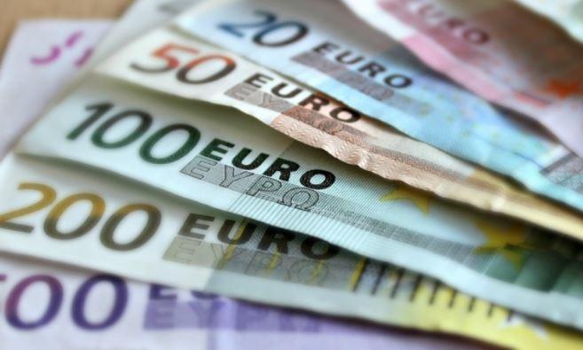Банкир объяснил, в какой валюте лучше всего хранить сбережения 1
