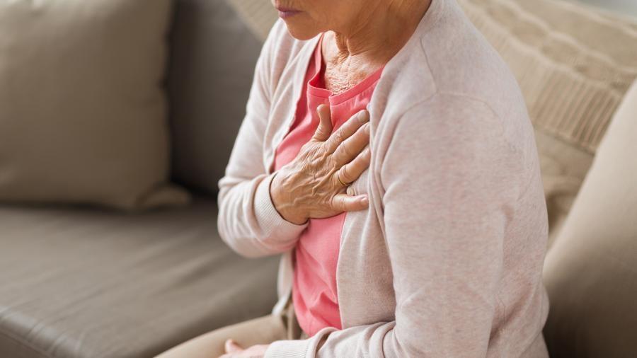 Врачи назвали появляющиеся за неделю до инфаркта симптомы 1