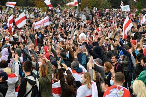 Подсчитан ущерб экономике Минска от протестов 1
