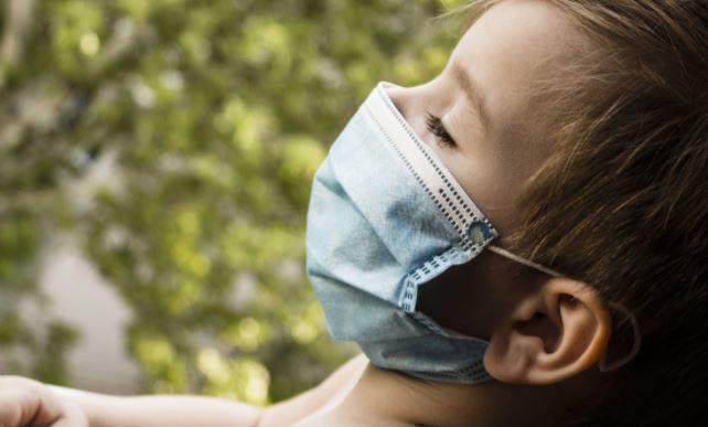 Медики назвали главную опасность ношения мокрых масок в пандемию 1