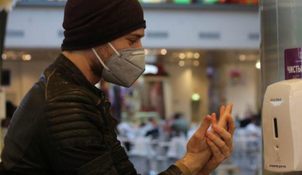 Дерматологи рассказали, как сохранить руки при использовании антисептика 1