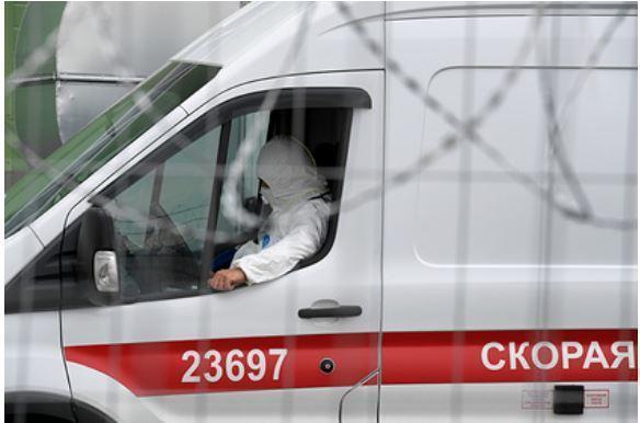 Российский эксперт рассказал о неуязвимых для COVID-19 людях 1