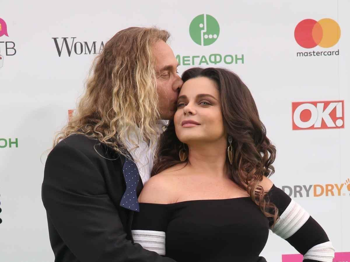 Тарзан посвятил стихотворение жене после скандала с изменой 1