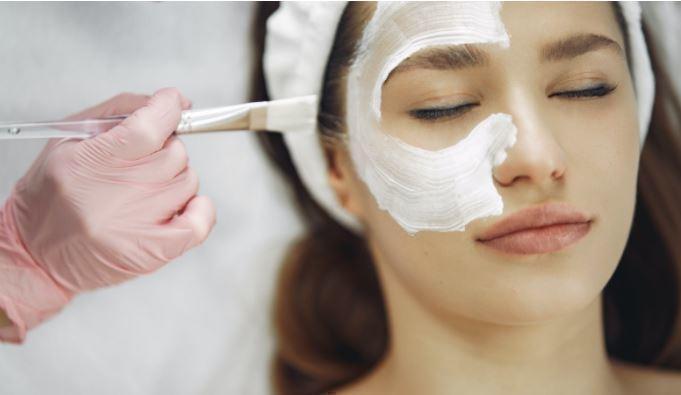 Косметолог рассказала о правилах ухода за кожей лица 1